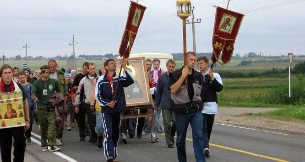 """Крестный ход """"Одигитрия"""" из Витебска в Смоленск с 5 по 10 августа 2007 года. Лиозно 06-08-2007"""