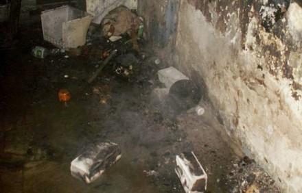 Бомж чуть не сгорел, пытаясь высушить на огне одежду