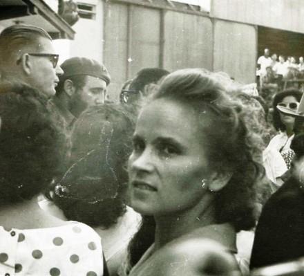 Комшукова (урождённая Шашкова) Елена Фёдоровна (1935 -2009)