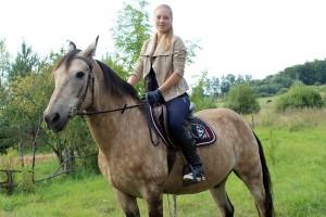 Любовь к лошадям заставила витебчан приобрести дом в аг. Стасево
