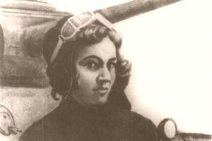Танкист с косами - Мария Октябрьская