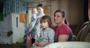 Многодетная семья под Лиозно в Новый год осталась без денег