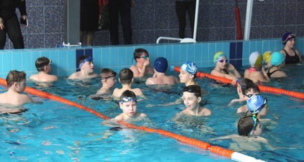В Лиозненском бассейне первые соревнования по плаванию