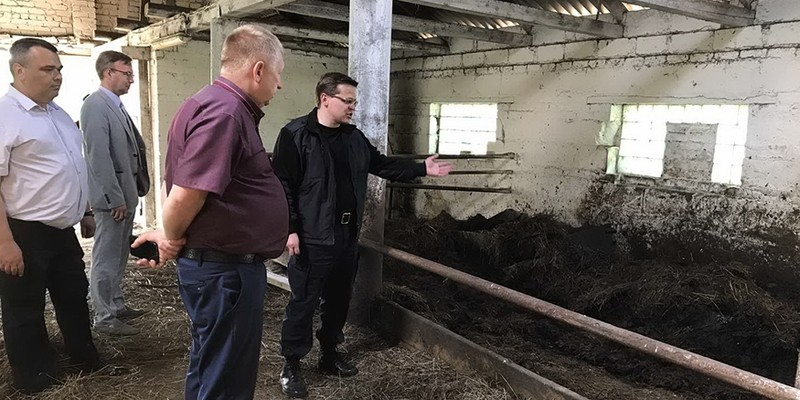 Прокуроры на ферме в Лиозненском районе